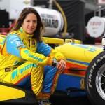 Conheça a primeira pilota brasileira a participar da Fórmula Indy