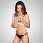 Encontramos fotos sensuais e até um nude da Mila Kunis