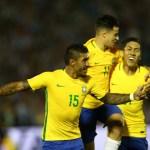 """Centenário vira """"salão de festas"""" para a seleção brasileira"""