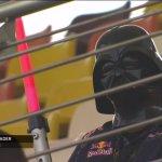 Darth Vader aparece em treino da Fórmula 1, e recebe créditos como Lorde Sith