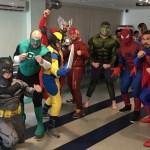 Minotauro se veste de Super-Homem para visitar crianças com câncer
