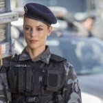Paolla Oliveira vestida de policial está despertando um fetiche nas pessoas