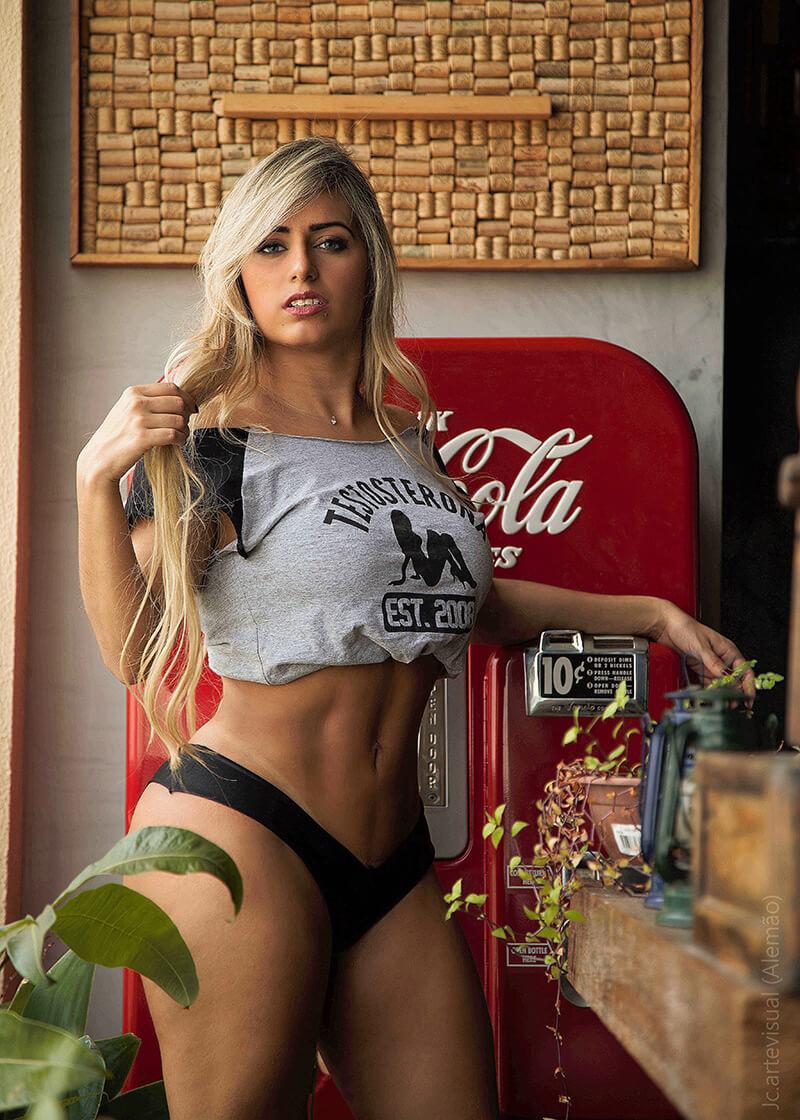 Mia Linz fotos video pornô