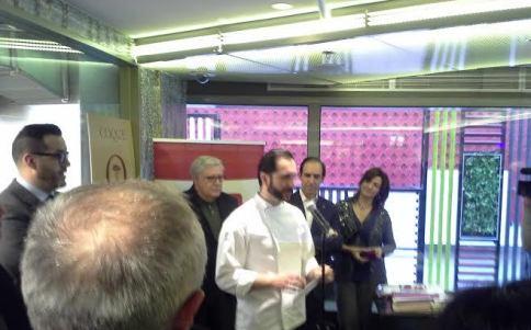 Mario Sandolval presentando el libro Coque Te Veo en Madrid