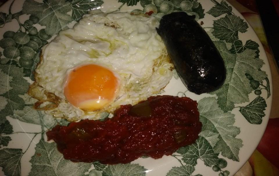 fritada-murciana-con-huevo-y-morcilla-te-veo-en-madrid.jpg