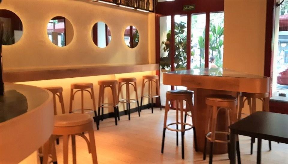 restaurante-claroscuro-zona-barra-te-veo-en-madrid-2.jpg