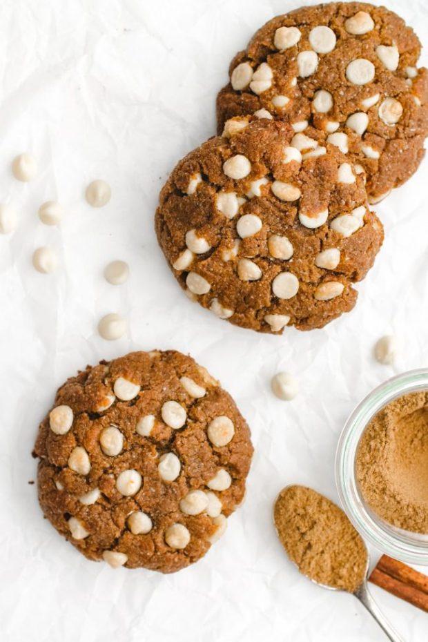 Chewy pumpkin spice cookies