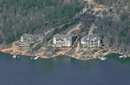 Nice homes on Lake Oconee