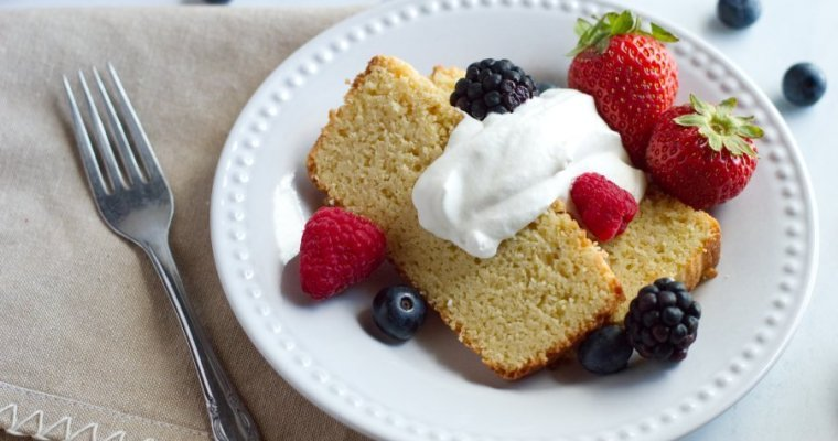 Almond Sour Cream Keto Pound Cake