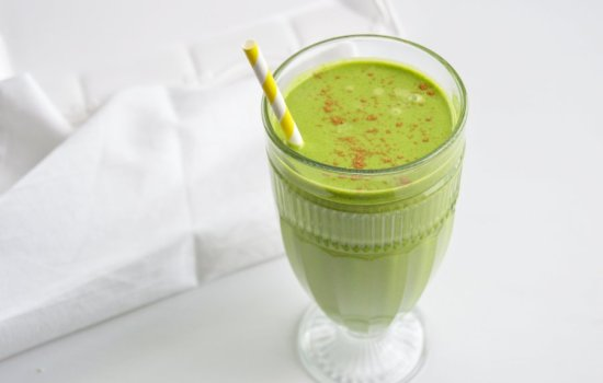 Maple Almond Low Carb Green Smoothie – DF, GF, Keto