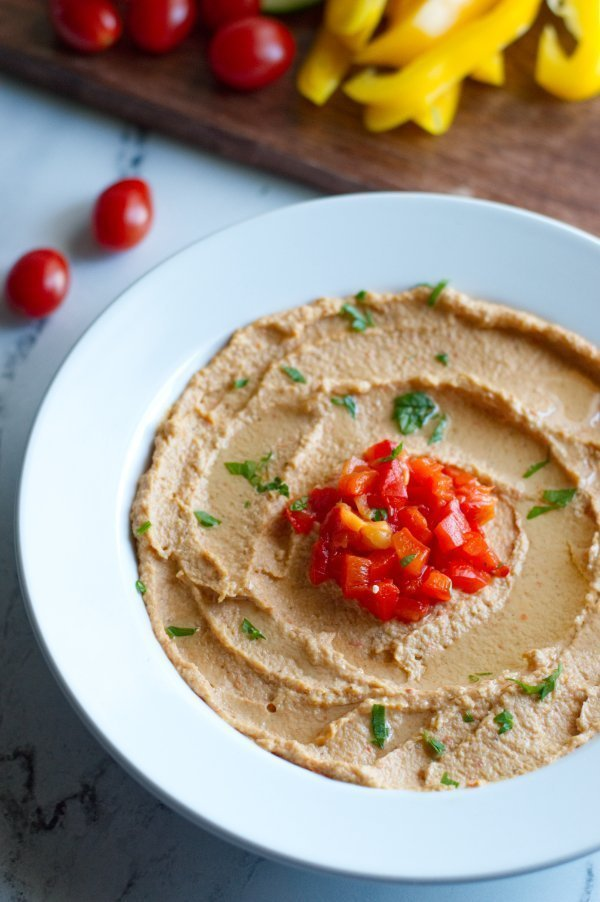 Roasted Cauliflower Hummus with Red Pepper
