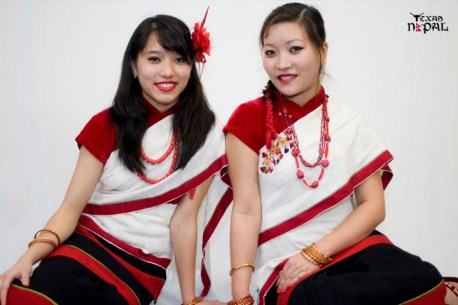 newari-cultural-dress-photo-irving-texas-20110227-53
