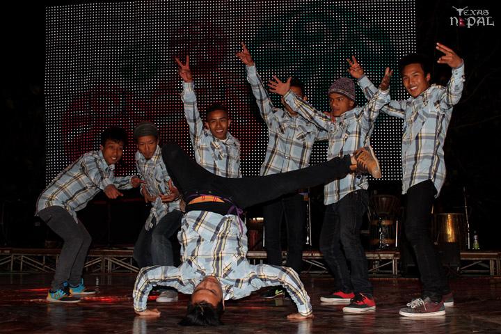 momo-mania-kathmandu-20120310-65