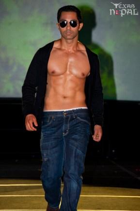 ana-fashion-extravaganza-20120630-11