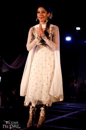 ana-fashion-extravaganza-20120630-110