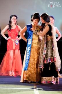 ana-fashion-extravaganza-20120630-152