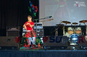 ana-supernova-talent-show-20120629-10