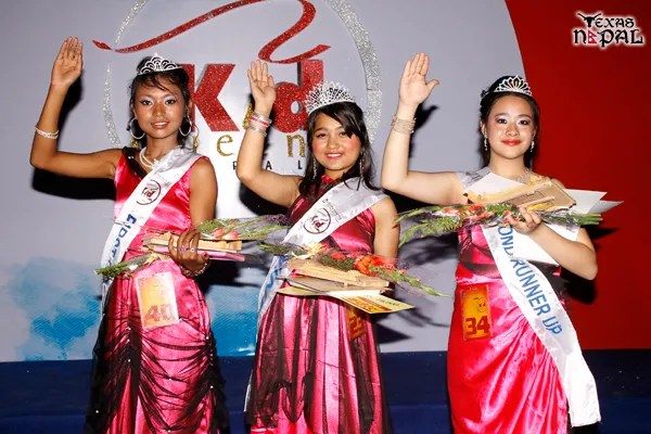 Kid Queen Nepal 2013 Shamila Hamal (Mid) with First Runner Up Swornim Sandhya Maharjan and Second Runner Up Cristina Shrestha. (Photo: Nirnit Tandukar/TexasNepal)