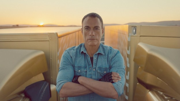 Van Damme carry out his famous split on Volvo Trucks