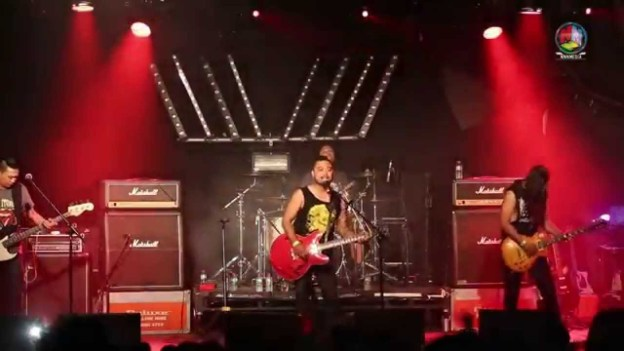 Awaj by Albatross Live at Melbourne 'The Awesome Three'