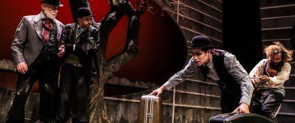 """Θέατρο  """"Περιμένοντας τον Γκοντό""""  του Σάμιουελ Μπέκετ την Τρίτη 18 – Τετάρτη 19 – Πέμπτη 20 Αυγούστου στο Θέατρο Τεχνόπολις !"""