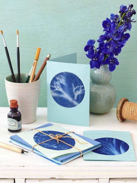 Διακόσμηση με μπλε λουλούδια1