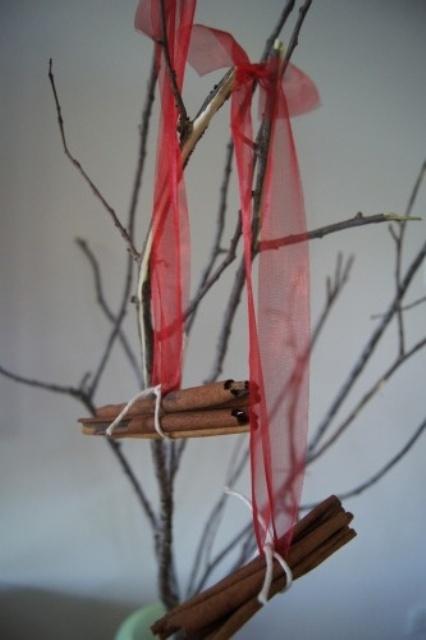 Υπέροχες Αρωματικές Ιδέες Χριστουγεννιάτικής Διακόσμησης με ραβδάκια κανέλας8