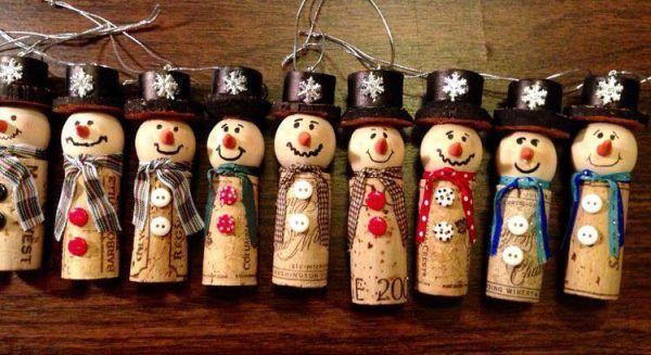 Χριστουγεννιάτικες διακοσμήσεις από πώματα φελλού16
