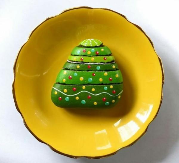 Χριστουγεννιάτικη ζωγραφική σε πέτρες και βότσαλα52
