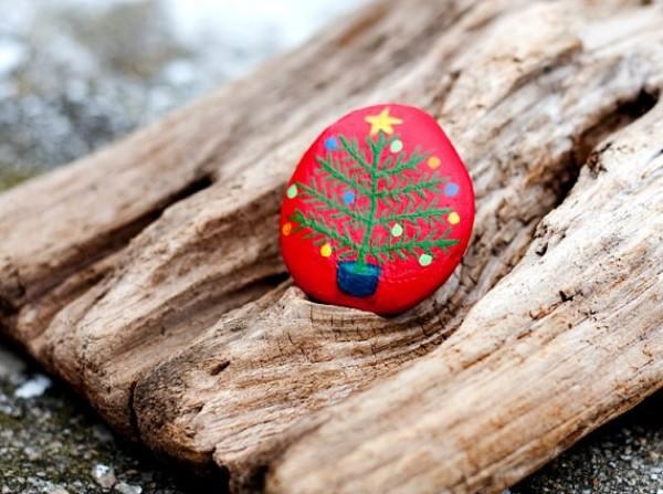 Χριστουγεννιάτικη ζωγραφική σε πέτρες και βότσαλα77