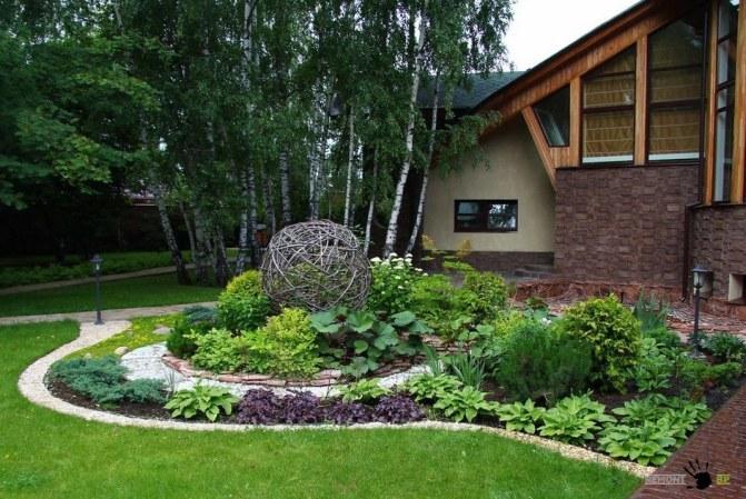 Λουλούδια μπροστά από το σπίτι18