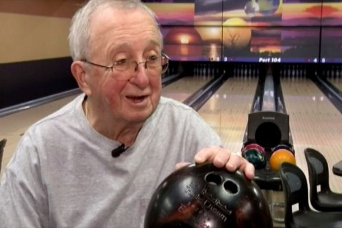 92-year-old pro bowler Sylvester_-6006399681337406959