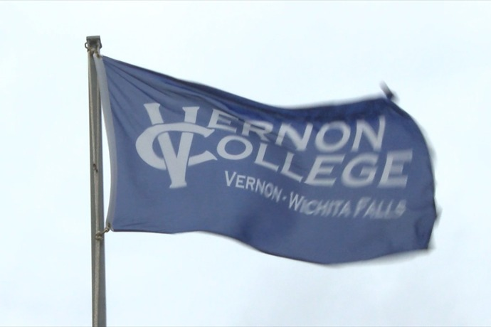 vernon college flag _7395782340547199549
