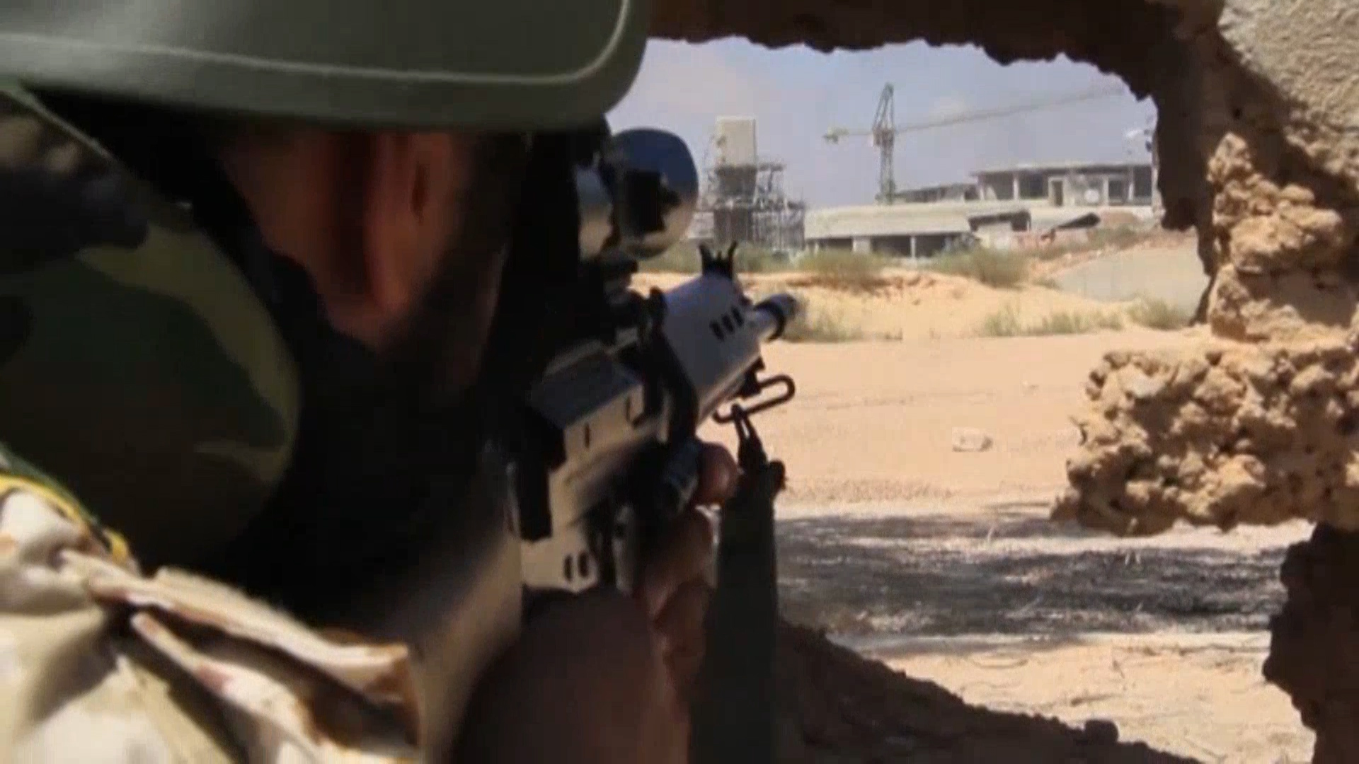 FO27R LIBYA SIRTE FIGHTING_08-11-16.mp4.00_00_19_21.Still001_1470954791533.jpg