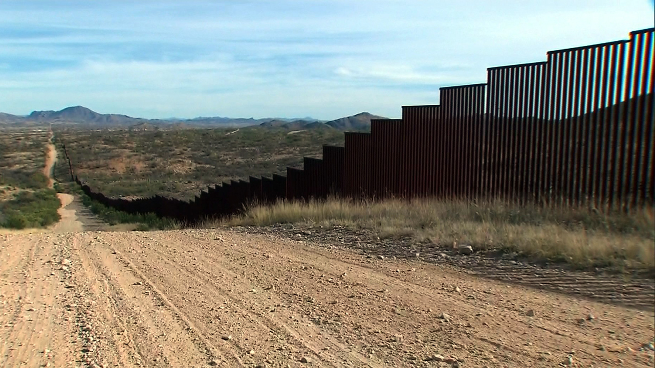 Mexico border wall in Texas-159532.jpg96281188