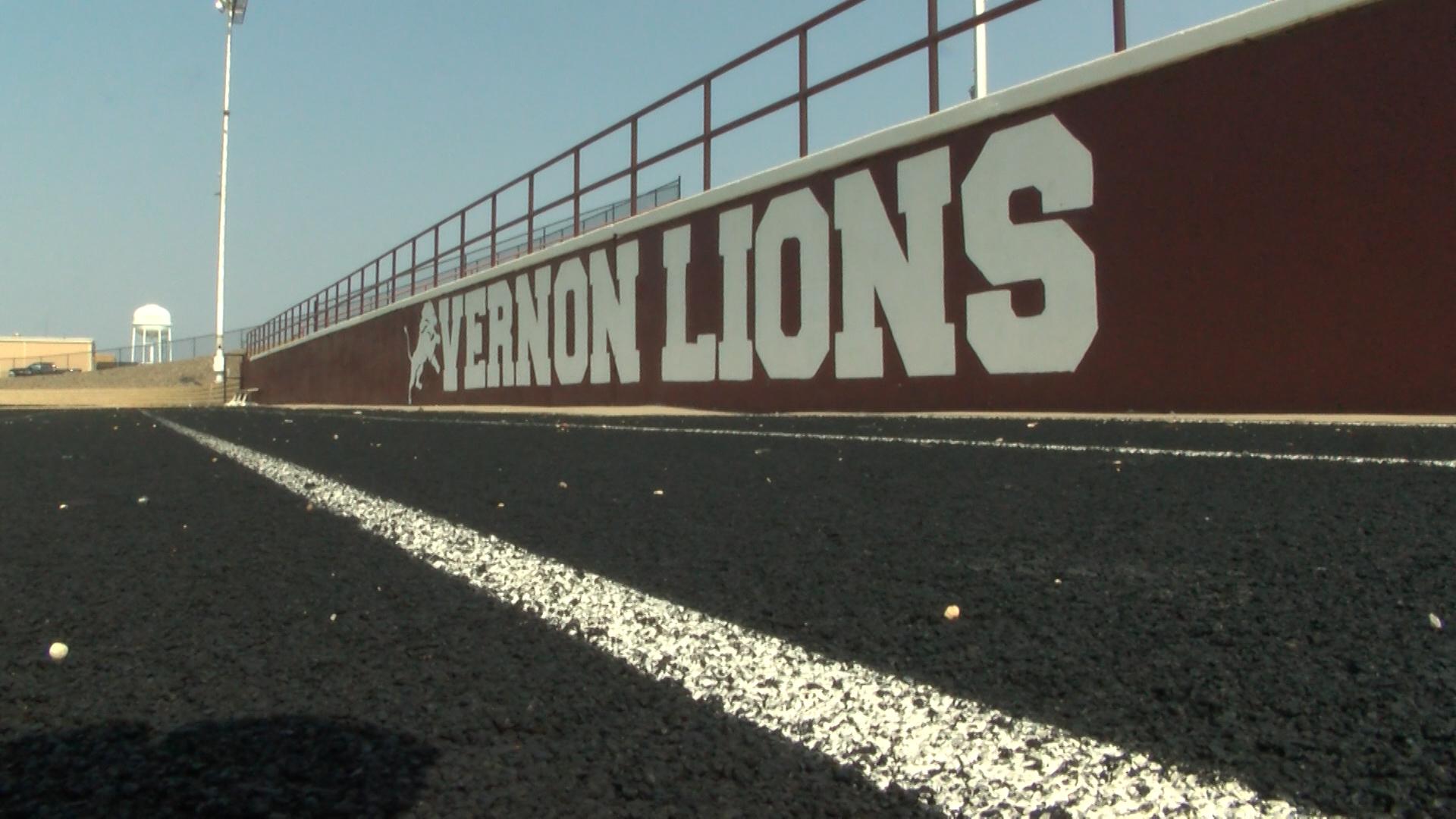 VERNON LIONS FOOTBALL_1535058689219.jpg.jpg