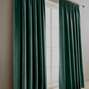 Catifea draperie verde inchis