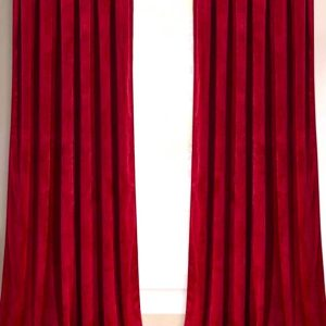 Catifea draperie rosie
