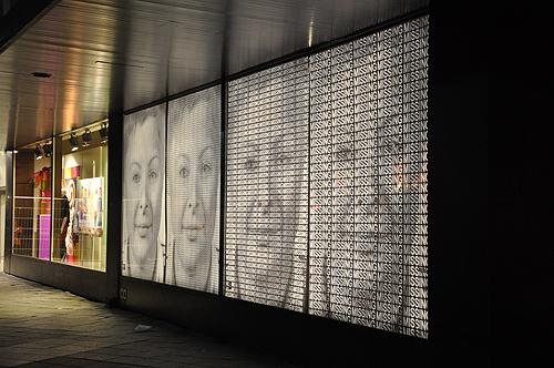 Glow-Lichtkunst, Ralph Ueltzhoeffer