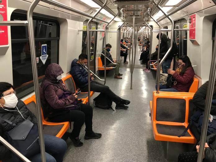 Metro de Santiago covid-19
