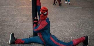Sensual Spider-Man planea hacer un OnlyFans solidario