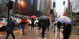 Este sábado 11 y domingo 12 de septiembre se esperan intensas lluvias en Santiago, Valparaíso y Rancagua.