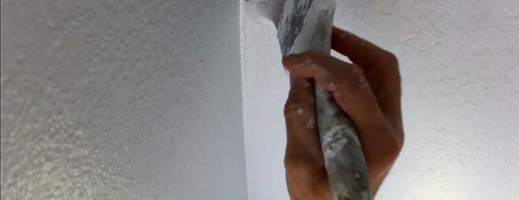 How to paint a perfect cut line on a textured ceiling