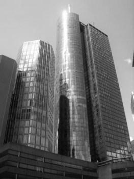 Tuerme-von-Kapital-in-Zentrum-Frankfurt