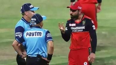 virat kohli and umpire image