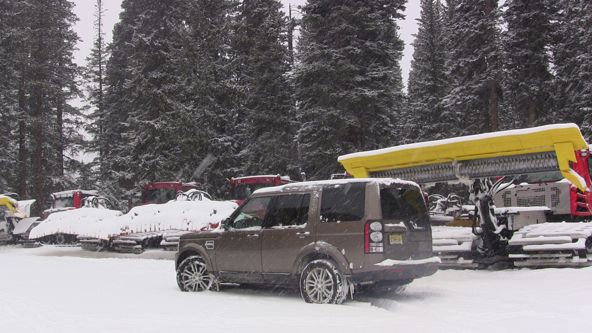 2014 Land Rover LR4 HSE Same But Different Review