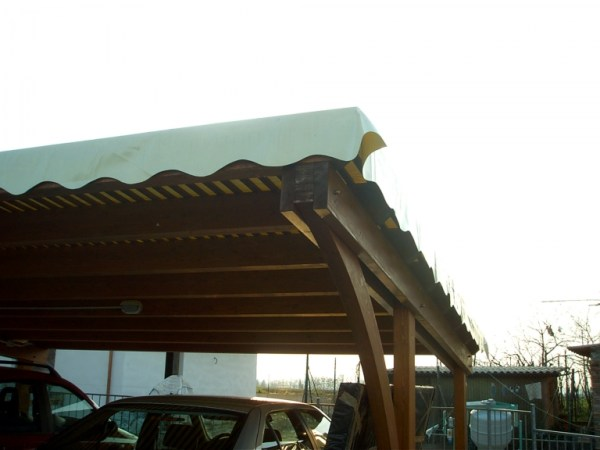 posto auto con telo PVC