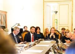 Manutenzione strade siciliane e voli scontati per la Sicilia, focus all'Ars oggi col viceministro Cancelleri