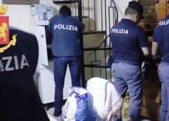Gela, cocaina nascosta nel controsoffitto della camera da letto, arrestato dalla Polizia