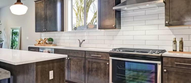 subway tiles in kitchen walmart chairs splashback tips for splashbacks showers